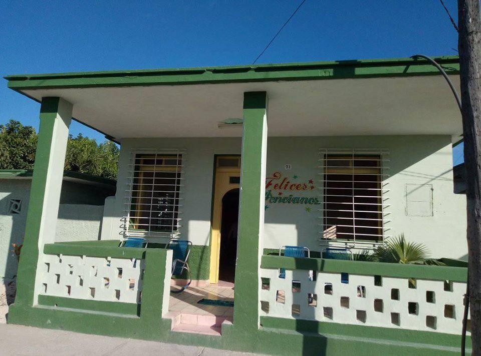 Reabre sus puertas Casa de Abuelos de Guayos