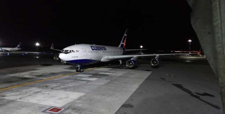 Aterriza en Argentina segundo vuelo sanitario desde Cuba
