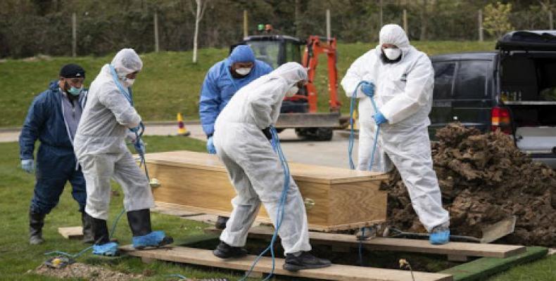 Reino Unido reporta su mayor número de muertes semanales por covid-19
