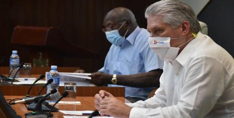 Mantendrá Cuba medidas aplicadas contra la pandemia, a pesar de tendencia a disminución de casos confirmados