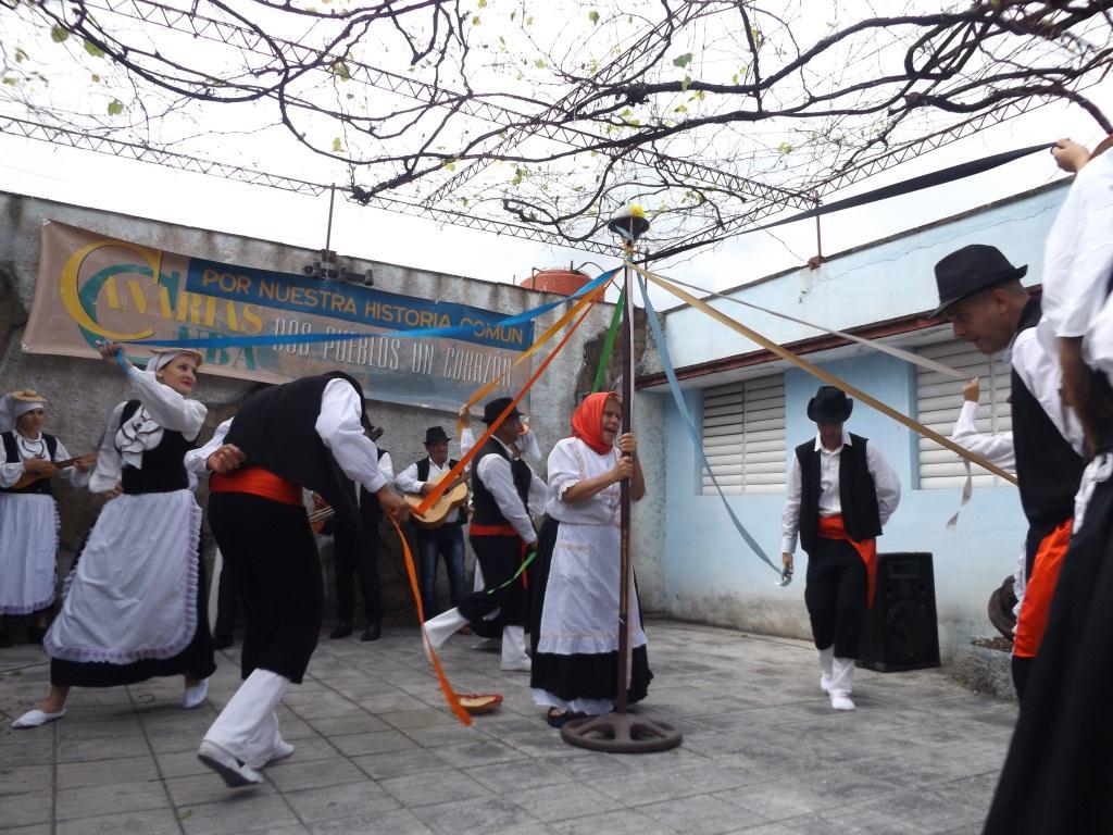 La Danza Isleña Portadora de Pozas perteneciente a la Casa de Cultura de Cabaiguán