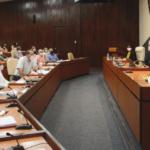 Reunión de Díaz-Canel con científicos cubanos demostrando la seguridad de Abdala