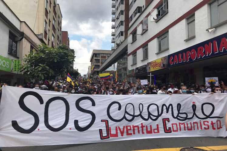Diversas voces en Colombia alertaron hoy sobre la posible declaratoria del estado de conmoción interior