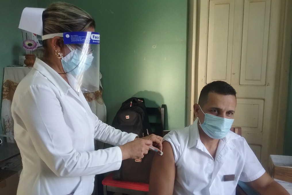 Extienden en Sancti Spíritus estudio de intervención en grupos de riesgo con candidato vacunal Abdala
